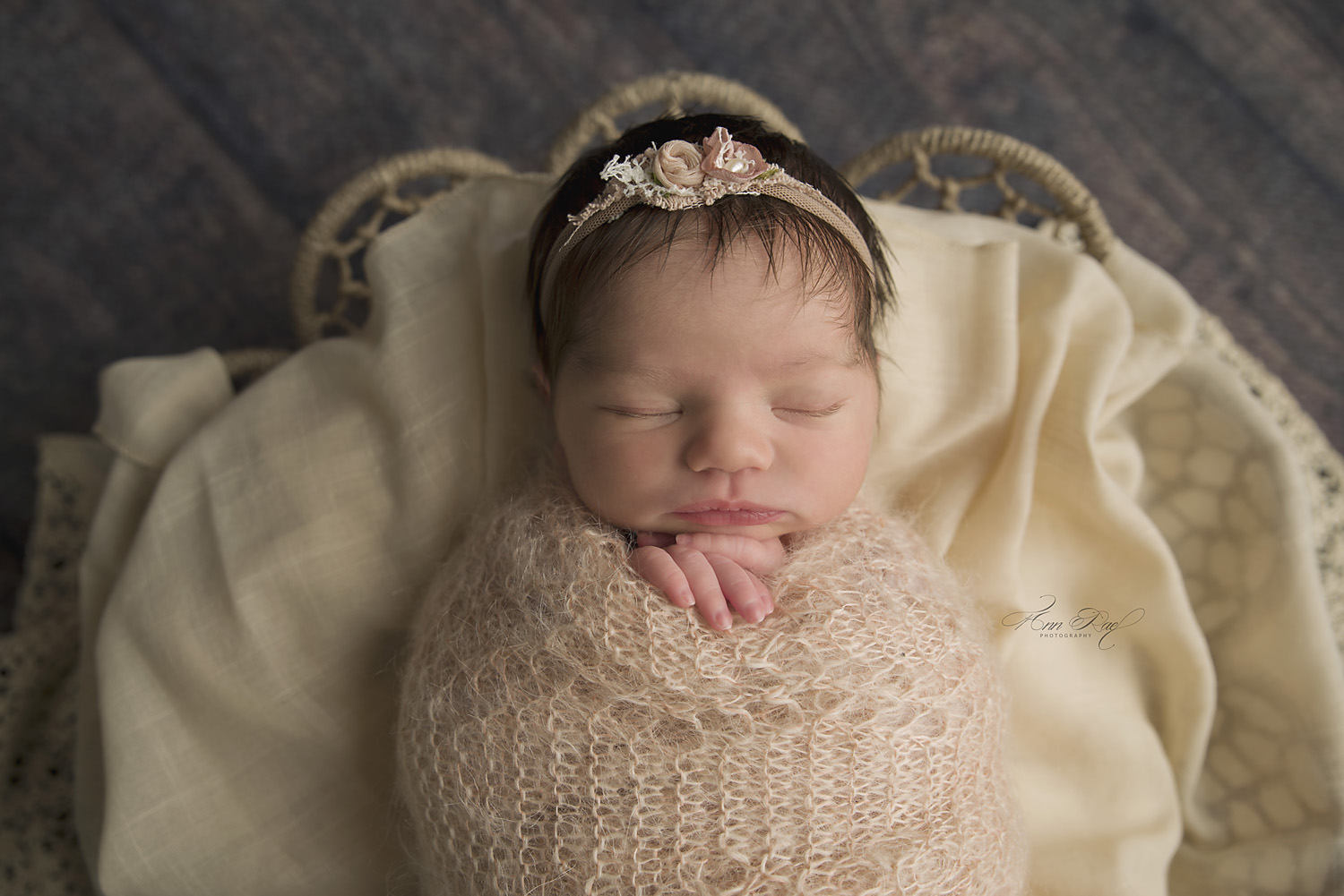 St. Louis Newborn Photographer travels to Chesterfield for baby pictures